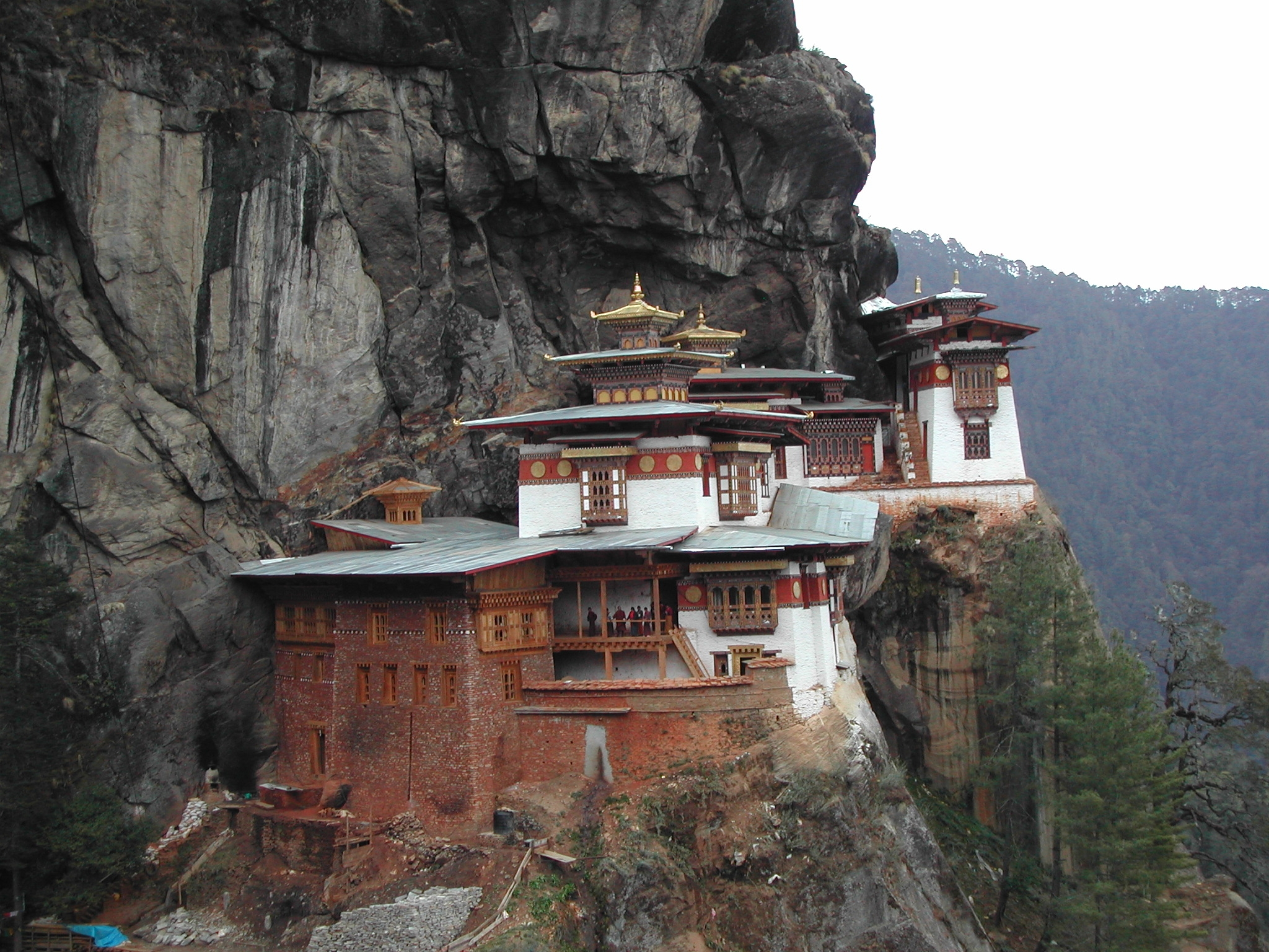 amazing beautiful temple tigers nest bhutan wallpapers free download - Picture of the day 6th May 2012